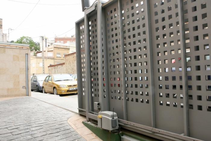 Vitman Cerrajeros: Motores para puertas - Correderas